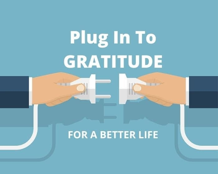 two hands learning how to practice gratitude